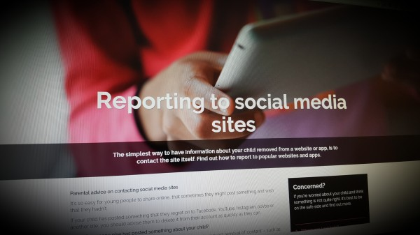 Reporting to social media sites