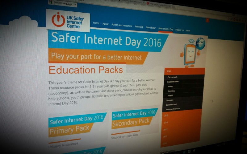 Safer Internet Day 2016 Education Packs by UKSIC