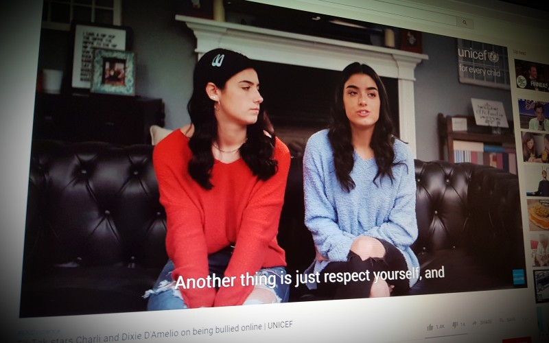 TikTok stars Charli and Dixie D'Amelio on being bullied online | UNICEF